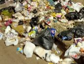 شكوى من استمرار معاناة الأهالى من انتشار القمامة بمزلقان بشتيل