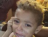 قارئ يشارك بصورة طفل تم العثور عليه ويبحث عن أهله