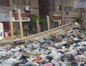 تراكم للقمامة فى شارع النادى بطنطا والأهالى يطالبون بتوفير صناديق