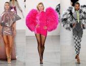فوطة على رأس عارضة الأزياء أحدث صيحات أسبوع الموضة في نيويورك 2020