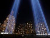 صور.. إشعال الأضواء بمدينة نيويورك لإحياء الذكرى الـ18 لهجمات 11 سبتمبر