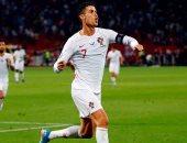 فيل نيفيل: كريستيانو رونالدو من أفضل اللاعبين فى تاريخ كرة القدم