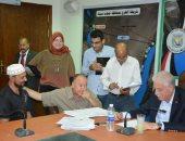 محافظ جنوب سيناء يبحث شكاوى المواطنين.. صور