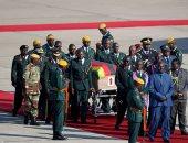 وصول جثمان موجابى إلى زيمبابوى