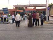 جثمان عالم الذرة المصرى أبوبكر عبدالمنعم يغادر مطار القاهرة إلى مثواه الآخير