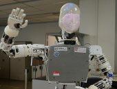 صور.. روبوت ذكى جديد يمكنه تقليد تعبيرات وجه البشر