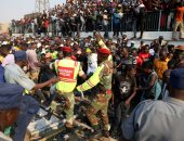 صور.. الآلاف يتدافعون فى زيمبابوى لإلقاء نظرة الوداع على جثمان روبرت موجابى