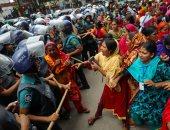 عاملات مصنع ملابس ببنجلادش يتظاهرن للمطالبة بصرف مستحقاتهم