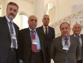 صور.. مجلس البحث العلمي بأذربيجان يكرم رائد زراعة الكبد بجامعة المنصورة
