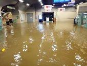 فيديو وصور.. الجزائر تغرق فى مياه الأمطار والسيول تجرف السيارات وتغمر المترو