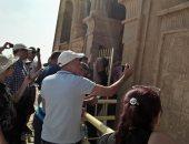 """صور.. وفد """"المرشدين السياحيين بالإسكندرية"""" يزور المعالم الأثرية بالمنيا"""