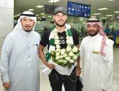 يوسف بلايلي نجم الجزائر يصل السعودية لبدء مشواره مع الأهلى.. صور