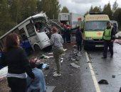 فيديو وصور.. مصرع 7 أشخاص وإصابة 21 آخرين فى حادث تصادم وسط روسيا