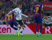 فالنسيا يهز شباك برشلونة بالهدف الأول فى الدقيقة 29.. فيديو