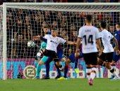 بيكيه يعزز تقدم برشلونة بالهدف الثالث فى فالنسيا بالدقيقة 51.. فيديو