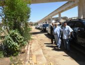 محافظ أسوان يوجه برفع القمامة من الشوارع وزيادة حاويات النظافة