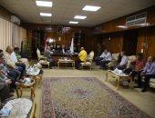 محافظ قنا يستقبل وفد وزارة الإسكان والمرافق والمجتمعات العمرانية