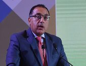 رئيس الوزراء يستعرض دراسة رفع كفاءة وتطوير الطريقين الدائرى والساحلى