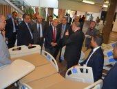 رئيس جامعة أسيوط:مساهمة الشركات الوطنية فى صناعة المستلزمات الطبية ضرورة