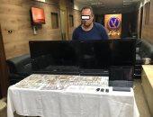 سقوط أخطر لص لسرقته 424 ألف جنيه بعد كسر زجاج 7 سيارات بالتجمع