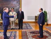 رئيس مجلس الدولة والنائب العام يحلفان اليمين أمام الرئيس السيسى