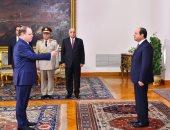 لحظة أداء النائب العام ورئيس مجلس الدولة اليمين الدستورية أمام الرئيس السيسي