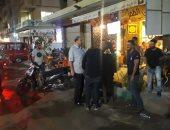 حملات مسائية مكبرة لإزالة إشغالات الطريق شرق الإسكندرية.. صور