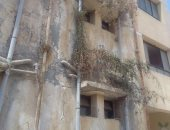 صور.. أولياء أمور مدرسة الشيخ زايد الرسمية يشكون تهالك المبانى ودورات المياه