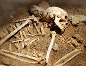 هل تتحرك جثث الموتى بعد دفنها؟.. دراسة علمية تكشف الحقيقة.. متابعة تحلل جثة لـ17 شهرًا كاملة تثبت تحرك الجثث.. وأستاذه طب شرعى: العقل العلمى لا يقبل ذلك.. وتؤكد: الجثث لا يمكنها التحرك بعد الموت