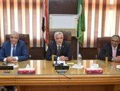 رئيس جامعة المنوفية يجتمع بعمداء الكليات لمناقشة أخر الاستعدادات العام الدراسى