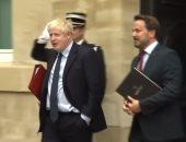 موقف محرج يجبر رئيس وزراء بريطانيا على مغادرة مؤتمر صحفى.. فيديو