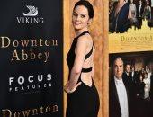 شاهد.. النجمات يخترن تصميمات عالمية خلال افتتاح فيلم  Downton Abbey