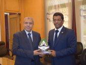 رئيس اتحاد الغرف التجارية المصرية يبحث زيادة التجارة مع الاتحاد العربى للمخلصين الجمركيين