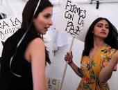 بيوت الأزياء تعرض ملابس من صنع المتمردين بكولومبيا