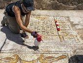 عمرها 1500 عام.. العثور على لوحة تصور يسوع يطعم 5 آلاف شخص فى فلسطين