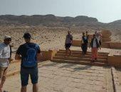 وفد سياحى من إسبانيا يزور المناطق الأثرية بالمنيا