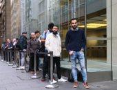 فيديو..احتشاد المئات حول متاجر أبل حول العالم لشراء أيفون 11
