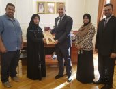 السفير البحرينى يهنئ جمعية الصم بالمملكة على تجربتهم فى تعليم ضعاف السمع