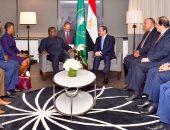 رئيس سيراليون يؤكد للسيسى تطلع بلاده للتنسيق الأمنى والعسكرى المشترك