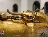 متى يتم تنفيذ سيناريو العرض لمقتنيات توت عنخ آمون داخل المتحف المصرى الكبير؟