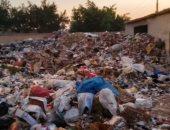 شكوى من تجميع القمامة وسط مقابر كوم حمادة بالبحيرة
