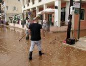 صور.. عواصف رعدية وأمطار غزيرة تضرب جزيرة كيفالونيا فى اليونان
