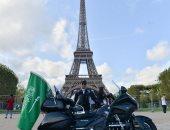 """بمناسبة العيد الوطنى للسعودية.. الرحالة العنزى يطلق مبادرة """"فرحة وطن"""" من باريس"""