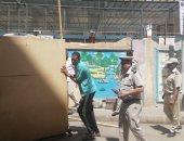 صور.. حملة مكبرة لإزالة الإشغالات ورفع القمامة والمخلفات أمام مدارس أسوان