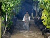 عرض أزياء Dior وسط الأشجار في أسبوع الموضة في باريس لربيع وصيف 2020