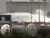 بث مباشر.. السلطات الفرنسية تحاول السيطرة على حريق مصنع شمال غرب البلاد