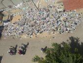 القمامة عند بوابة 4.. شكوى سكان منطقة استاد السلام