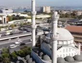 شاهد.. انهيار منارة مسجد بسبب زلزال اسطنبول بتركيا