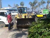 صور.. حملات نظافة وإزالة الإشغالات والتعديات وسط الإسكندرية