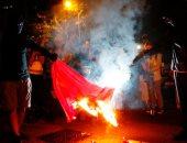 شرطة هونج كونج تطلق الغاز المسيل للدموع ومدافع المياه لتفريق المتظاهرين